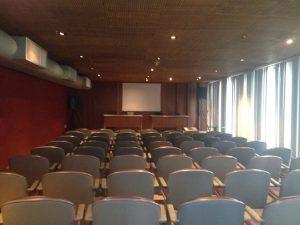 Foto do auditório para 70 pessoas.